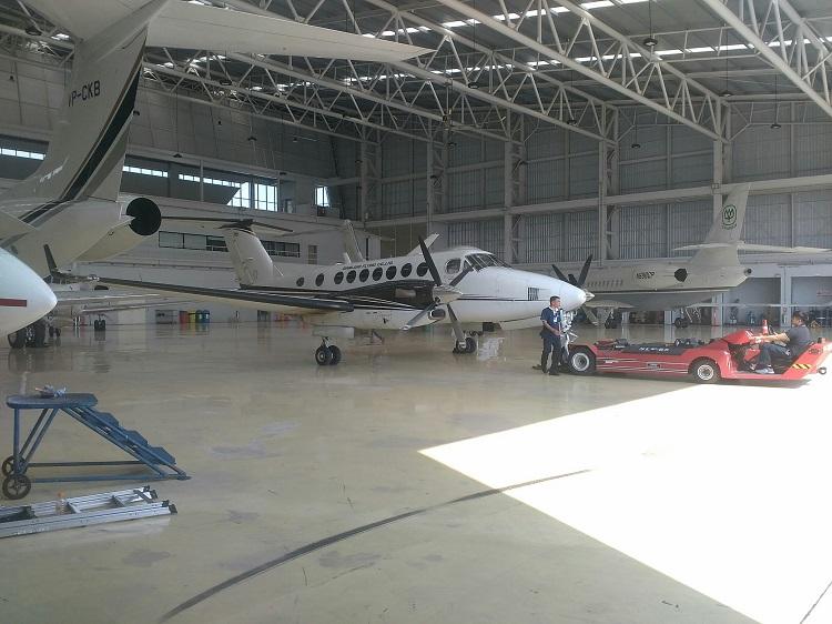 Posted in service | Comments Off on Hangar Door & plasmat » Hangar Door